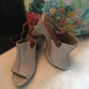 🆕B. Makowsky heels